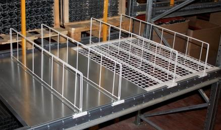 Shelf dividers / partition